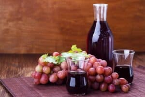 How to make grape juice from red grapes
